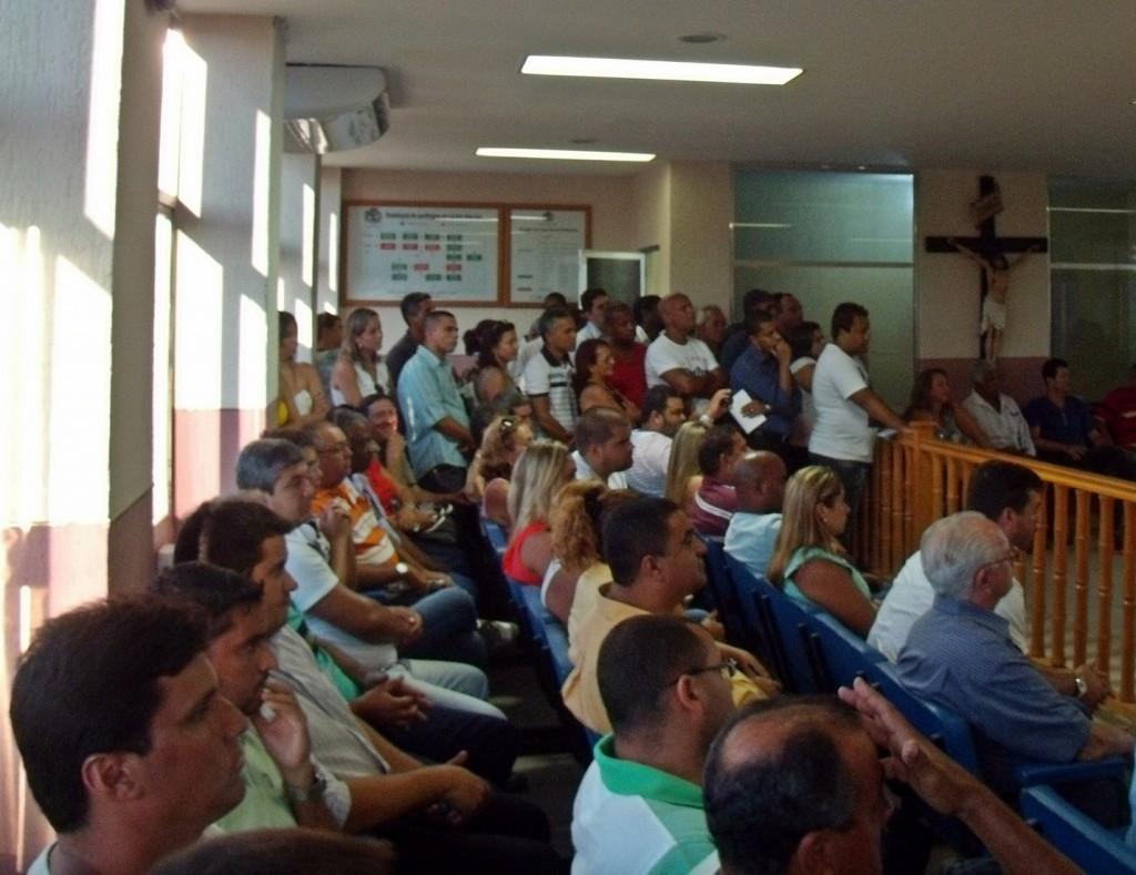 Público lotou primeira sessão legislativa do ano. (Foto: João Henrique | Maricá Info)