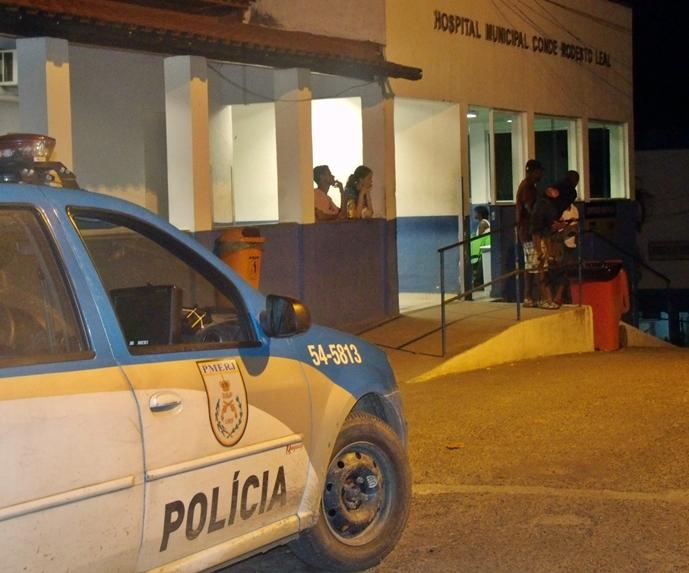 Brigões foram levados com ferimentos para o hospital de Maricá. (Foto: João Henrique   Maricá Info)