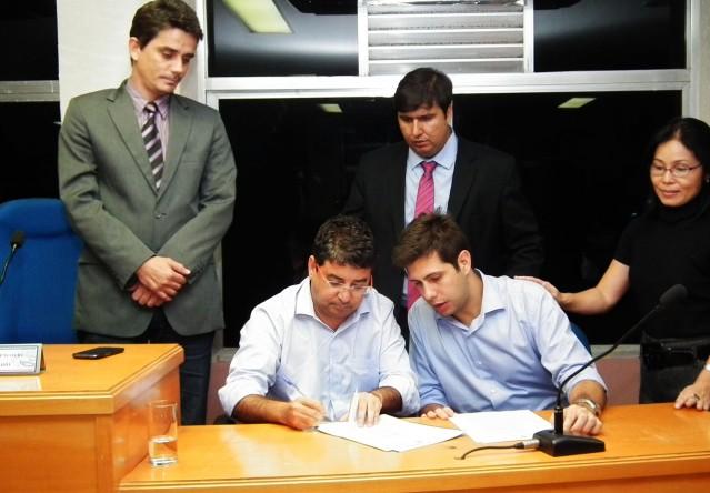 Prefeitura e Estado assinam convênio para regularização fundiária. (Foto: Divulgação)