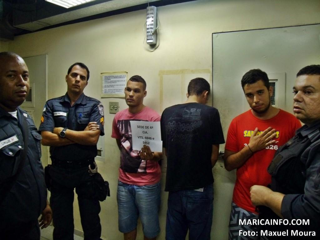 Dois homens foram presos e um menor apreendido ao realizarem 'arrastão' em Maricá. (Foto: Maxuel Moura | Maricá Info)
