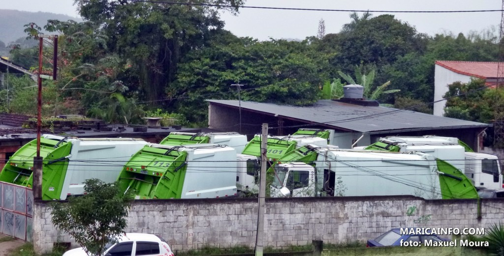 Caminhões foram levados a um depósito localizado próximo ao restaurante Maminha de Ouro, na Mumbuca. (Foto: Maxuel Moura | Maricá Info)