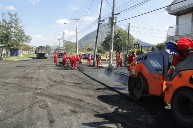 Prefeitura realiza obras de asfaltamento em São José e no Flamengo