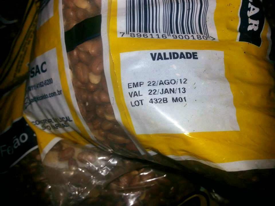 Supermercado Estrela do Sul (Av. Nossa Senhora do Amparo): 23kg de feijão vencido desde janeiro.