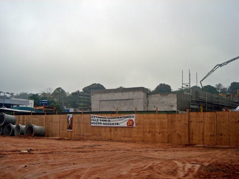 Obras estão em estágio avançado. (Foto: João Henrique   MaricáInfo.com)