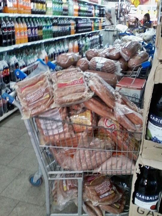 Procon já apreendeu 29 toneladas de produtos vencidos em Maricá, RJ