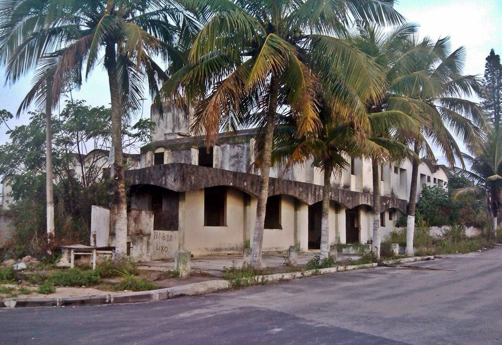 Cordeirinho: Moradores fazem abaixo-assinado contra hotel abandonado