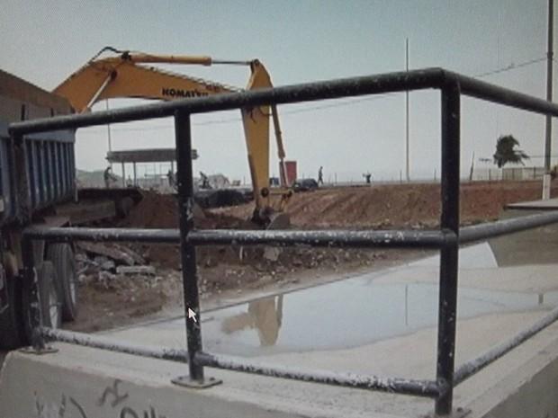 Prefeitura começou nesta terça-feira (24) a demolição do Skate Park. (Foto: Reprodução | InterTV)