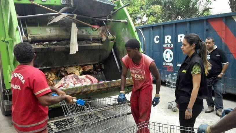 No Estrela do Sul de São José, operação encontrou 577kg de produtos vencidos. (Foto: Divulgação)