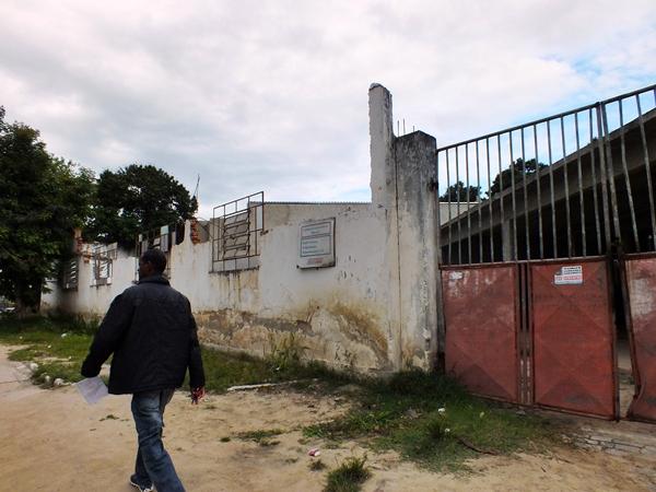 Obras foram paralisadas no Cinema Popular de Maricá. (Foto: João Henrique | Maricá Info)