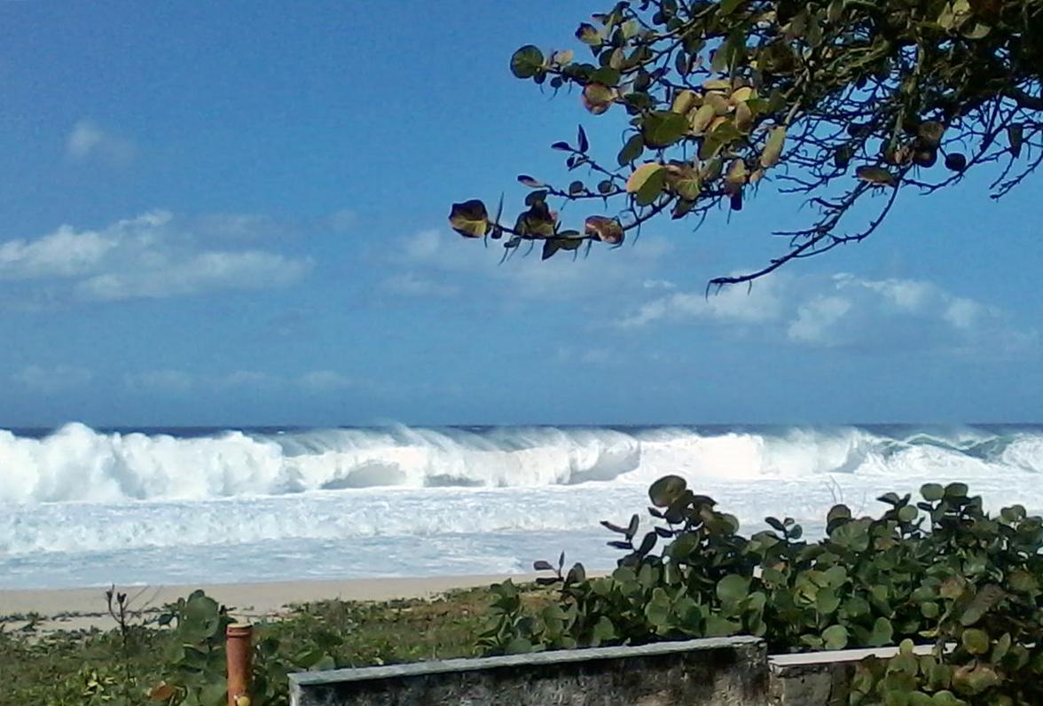 Ondas de até 2,5 metros podem atingir o litoral de Maricá. (Foto: Michelle Lima   Maricá Info)