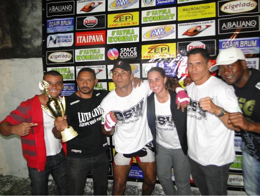 Paulo César Índio venceu o seu oponente e trouxe o troféu pra Maricá. (Foto: Reginaldo Souza)