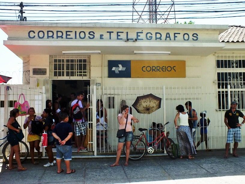 Maricá: Criminosos invadem agência dos Correios no Centro e arrombam cofre
