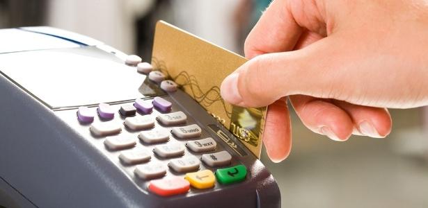 RJ: Comércio não poderá cobrar valor mínimo para uso do cartão