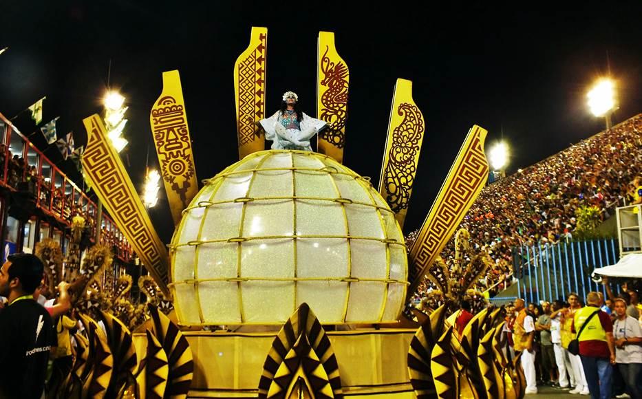 Salgueiro é a favorita no Carnaval do Rio de Janeiro