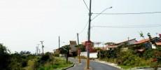 Maricá: Prefeitura vai à Justiça para obrigar Ampla a remover postes no meio da rua