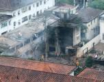 Avião com Eduardo Campos cai em Santos e sete pessoas morrem
