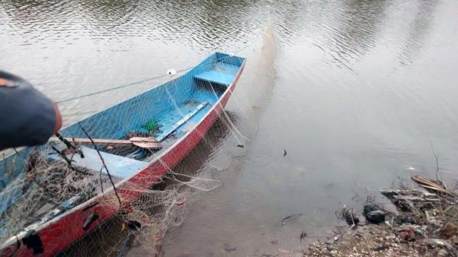 Polícia Ambiental apreende redes de pesca ilegal em Maricá