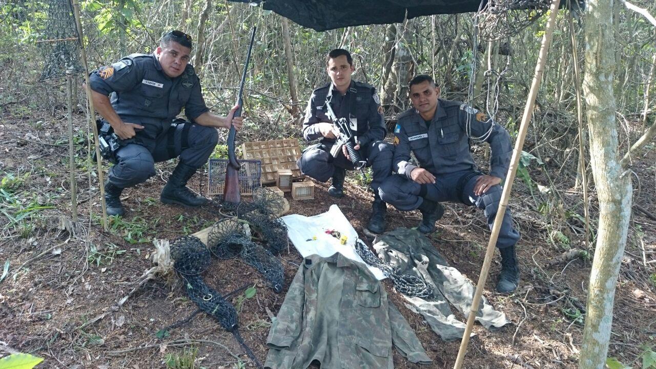 Policiais Militares da UPAm desarticulam acampamento de caçadores no Parque Estadual da Serra da Tiririca