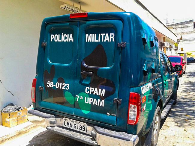 Polícia Ambiental apreende redes de pesca e pássaros em Ponta Negra