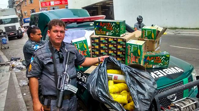 Polícia Ambiental apreende balões e fogos de artifício em São ... - Maricá Info (Blogue)