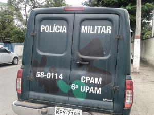 Rede de pesca foi apreendida após denúncia por telefone. (fotos: Mauro Luis / Maricá Info)