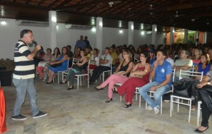 Vice-prefeito Professor Marcos Ribeiro falou sobre a importância da educação em solenidade realiza na terça-feira.