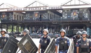 Durante uma semana, Guardas Municipais de Maricá fizeram estágio no Batalhão de Choque da PM. (foto: Divulgação)