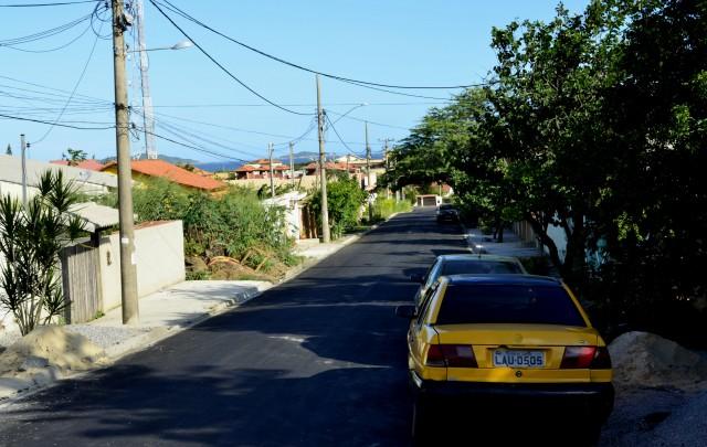 Mais cinco ruas foram pavimentadas no bairro Jardim Atlântico, em Maricá