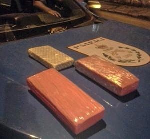 Polícia Militar apreendeu 1 kg de crack e 2 kg de maconha.