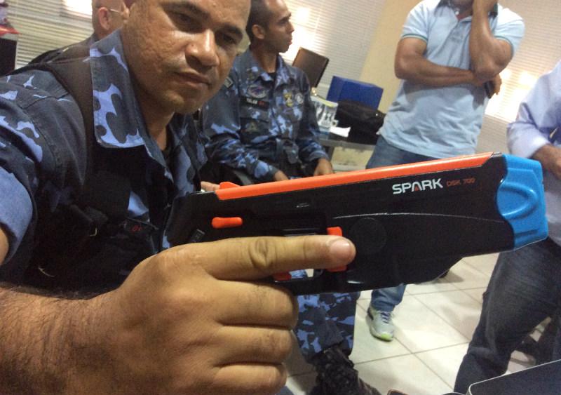 Maricá: Guarda Municipal estuda uso de armas não letais