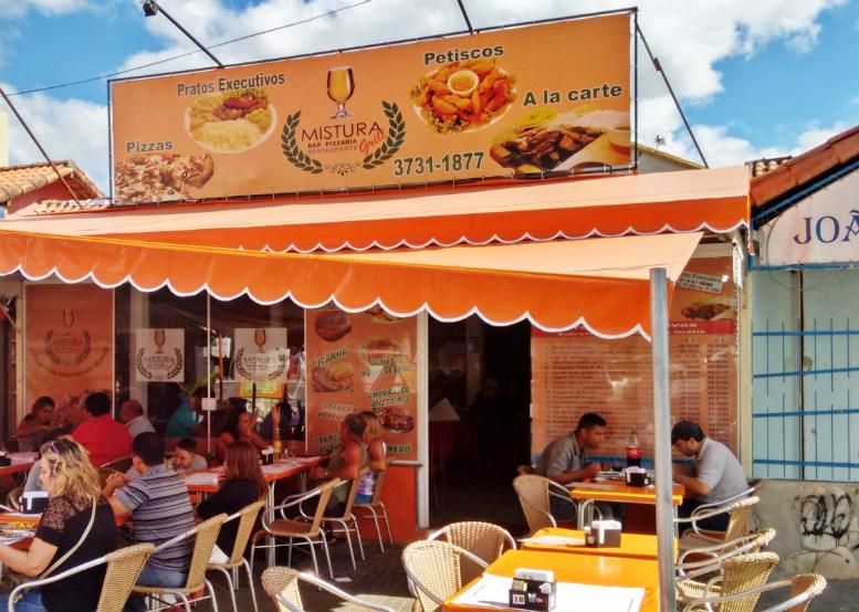 Restaurante em Maricá contrata atendentes e garçons