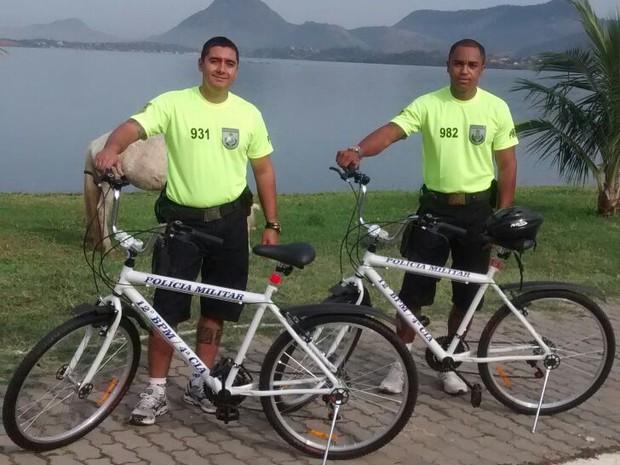 Moradores de Maricá fazem doação de bicicletas para a PM