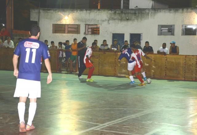 Campeonato Maricaense de Futsal começa com muitos gols