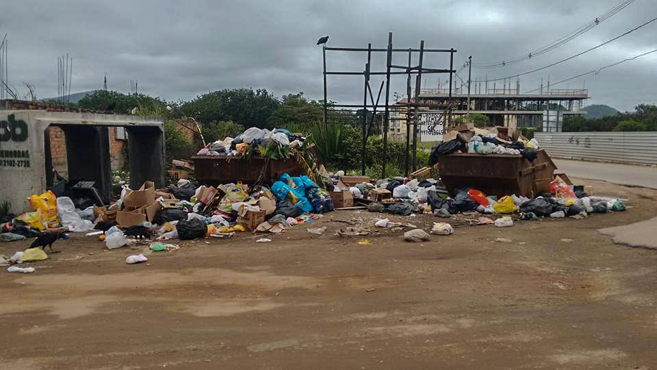 Maricá: Moradores reclamam de atraso na coleta de lixo