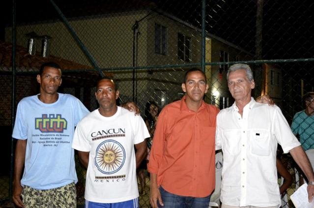 Rogério Cardoso (camisa laranja) foi eleito síndico do Setor A