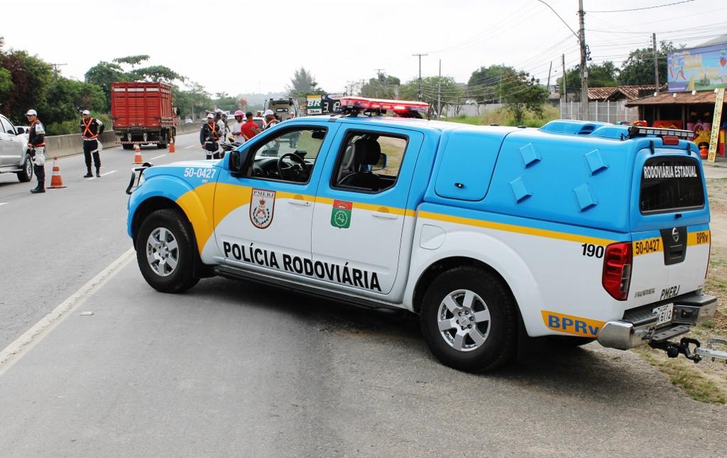 Policiamento reforçado na RJ-106 durante feriadão da Consciência Negra