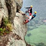 No local também pratica-se o esporte rapel. (foto: Jaque Ribeiro) @ops_jaque / Instagram)