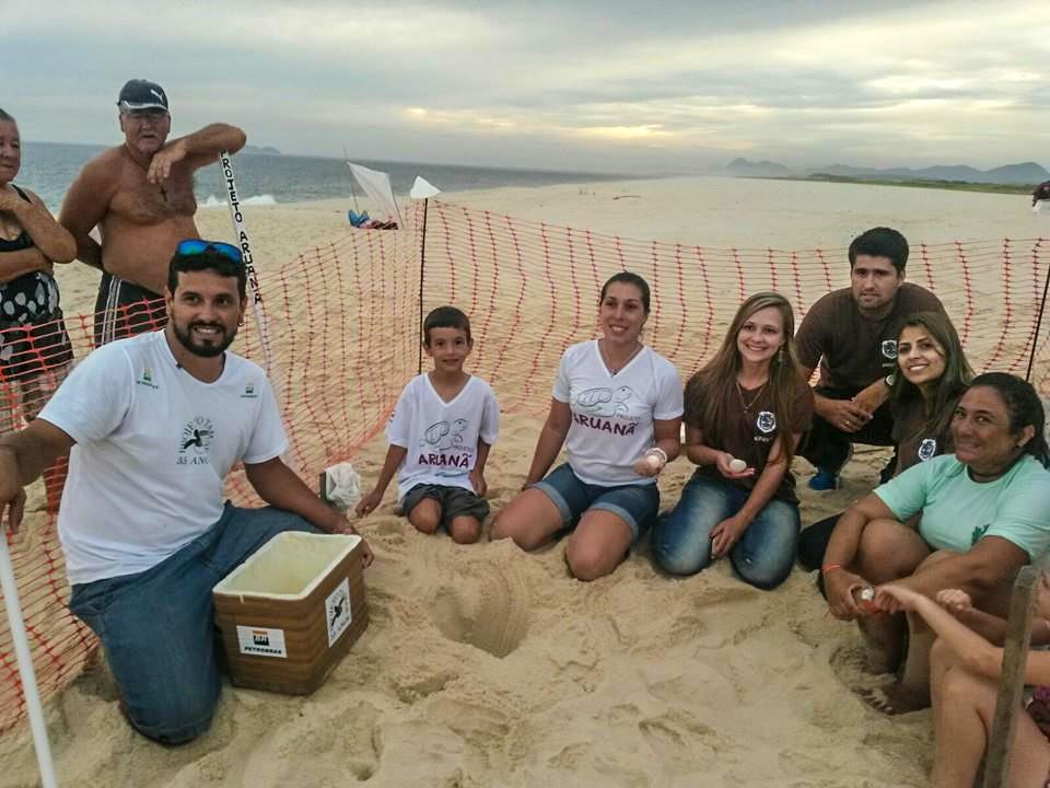 Maricá: Projeto Aruanã visita local da desova de tartaruga marinha