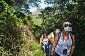 Parte da trilha da Pedra de Itaocaia. (foto: Clarildo Menezes)