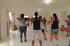Projeto também oferece aulas de Zumba. (fotos: João Henrique / Maricá Info)