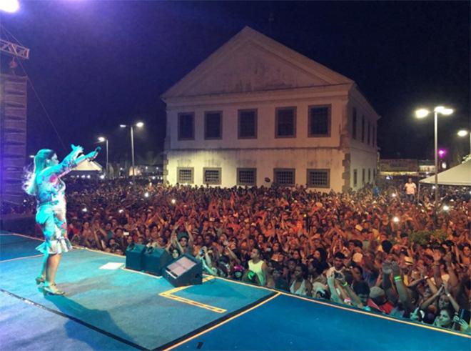 Maricá: Preta Gil encerra Carnaval 2016