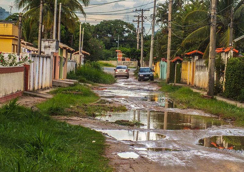 Maricá: Moradores sofrem com rua intransitável em São José