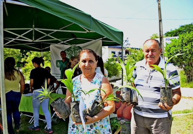 """Maricá + Verde"" distribui 89 mudas em Itaipuaçu"