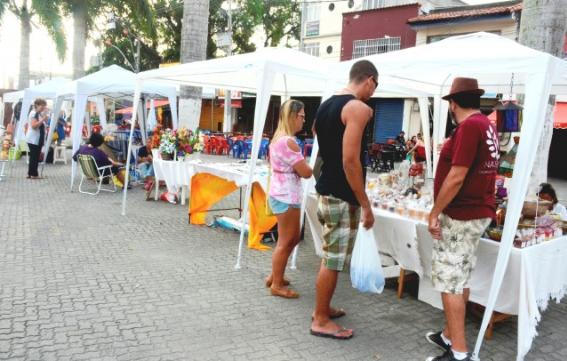 Maricá: Artes e cultura na Praça Orlando de Barros Pimentel durante aniversário de 202 anos da cidade