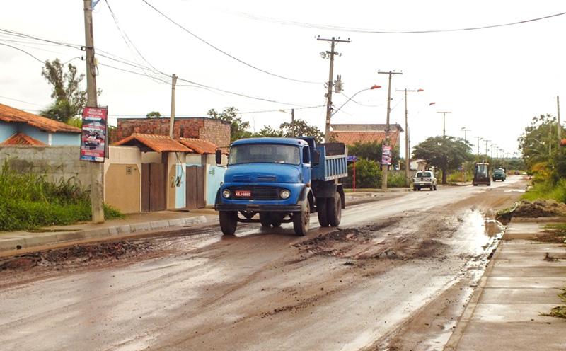 Itaipuaçu: Ruas recém-asfaltadas já apresentam problemas