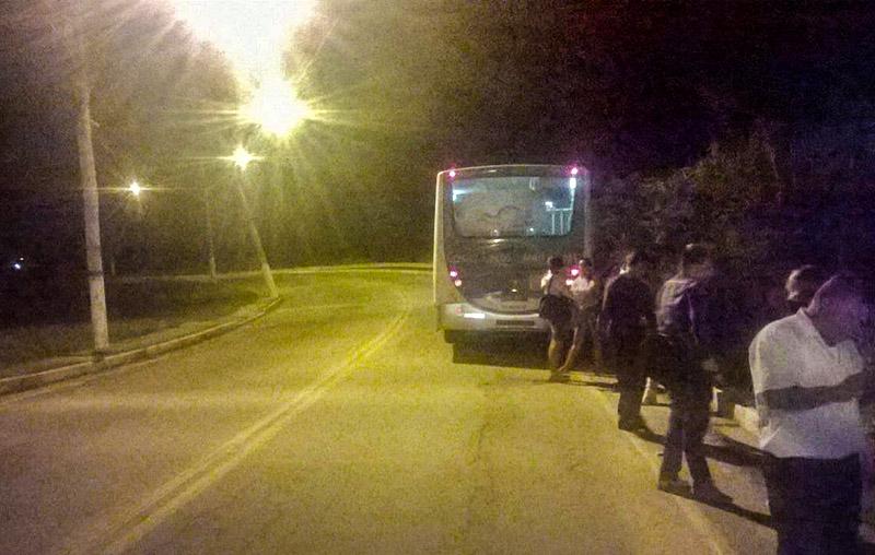 Maricá: Ônibus da Costa Leste quebra e deixa passageiros no caminho mais uma vez