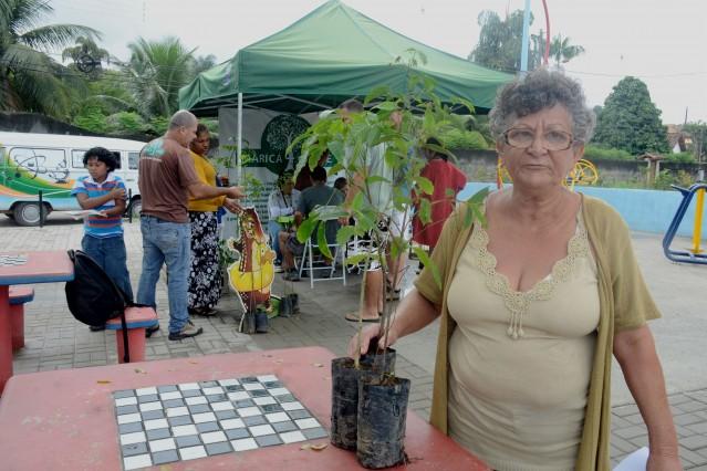 Maricá + Verde distribui mais 55 mudas em Bambuí