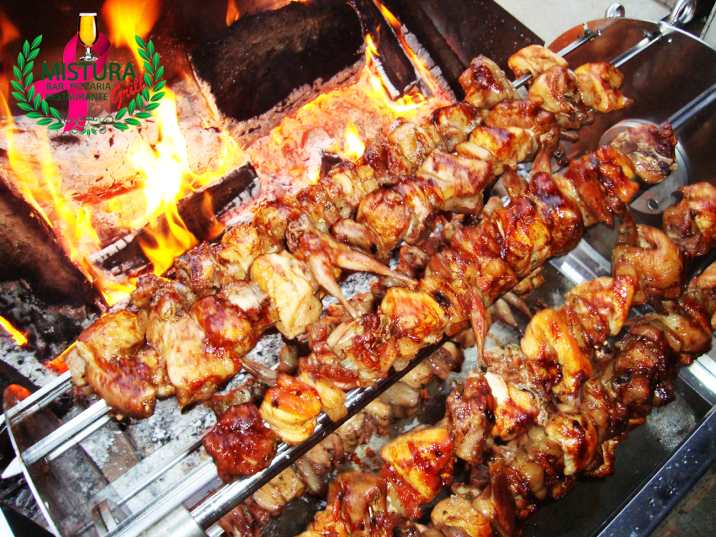 Galeto será feito na brasa junto com outras carnes.