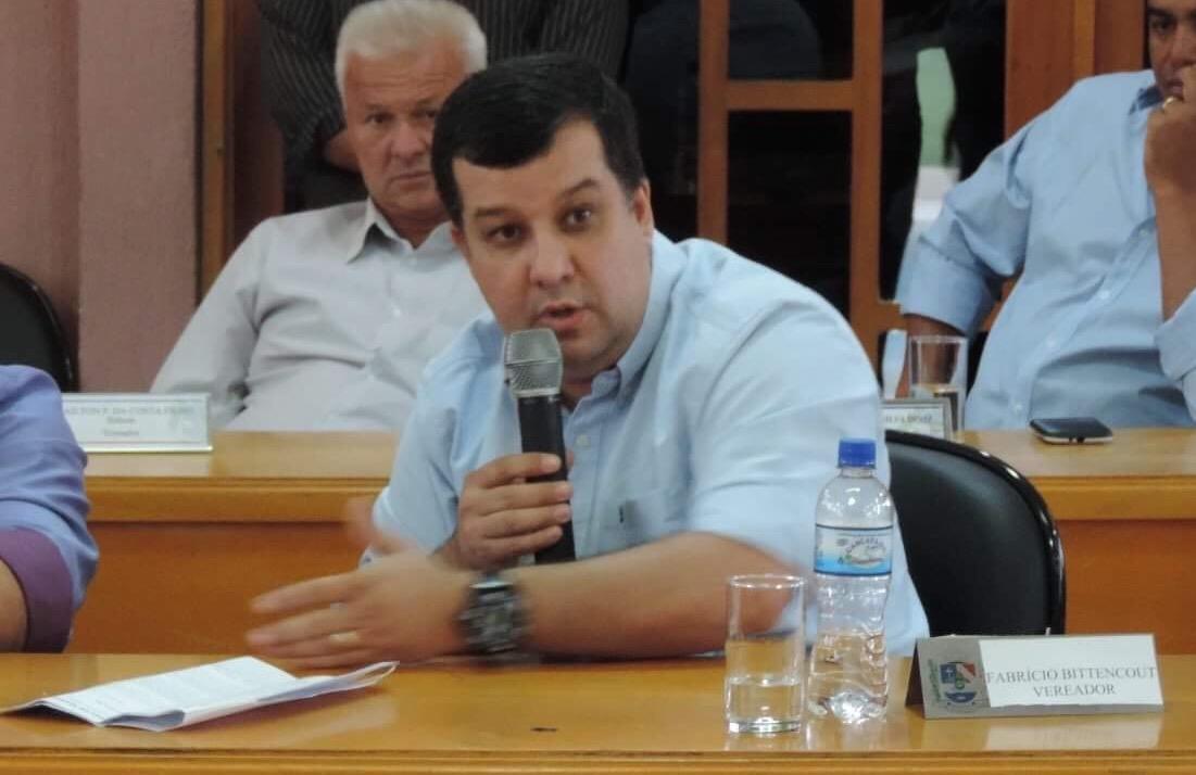 Maricá: Líder do Governo Fabrício Bittencourt esclarece contratações na área da saúde e educação