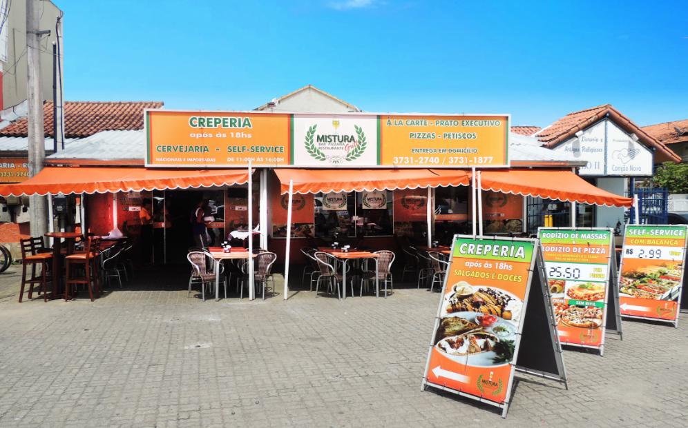 Restaurante Mistura Grill cerca área externa